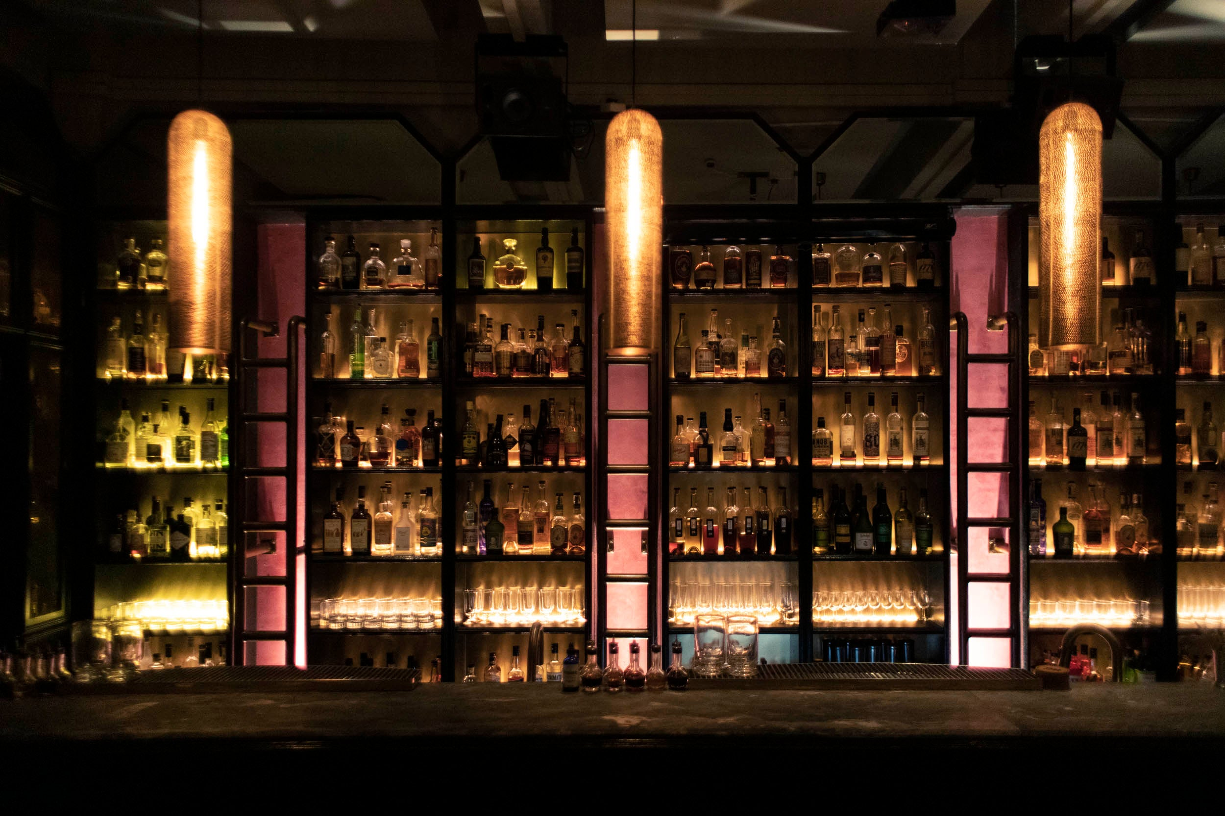 28 HongKong Street in Singapore: reviews, address | World's Best Bars