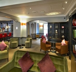 Berry Bar and Lounge @ The Hilton London Green Park