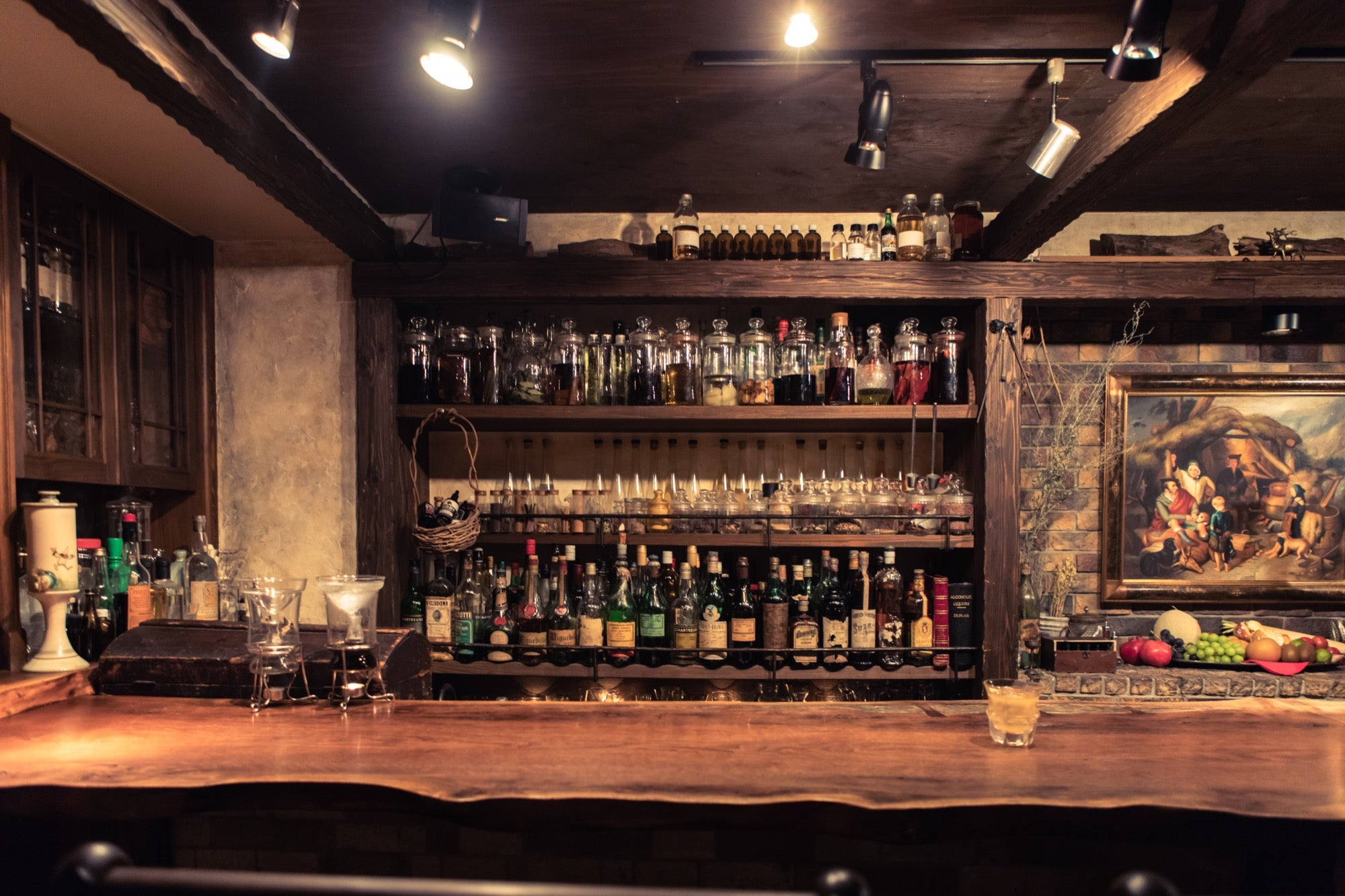 5 cozy bars in Tokyo for a memorable cocktail experience